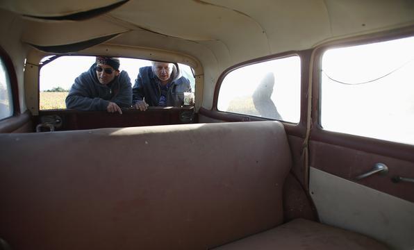 Ray gostava de vender somente veículos 0 km e preferia guardar os encalhados e seminovos que revendê-los!