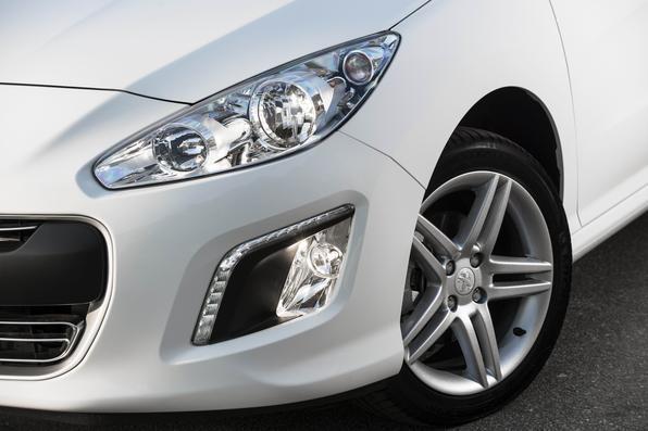 Peugeot 308 Allure 2014 ganha novo câmbio automático por R$ 66,4 mil