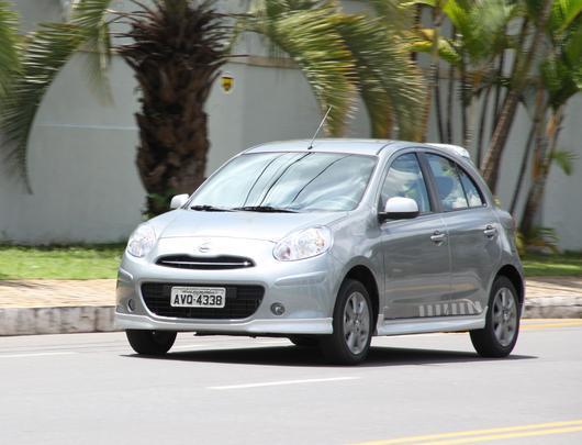 R$ 27.690 Nissan March 1.0
