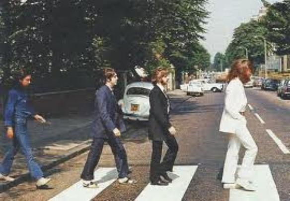 Triumph Herald 1200 Estate ano 1967 está à venda na web. Modelo aparece na capa do disco Abbey Road dos Beatles