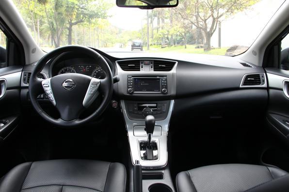 Nissan Sentra 2.0 CVT 2014
