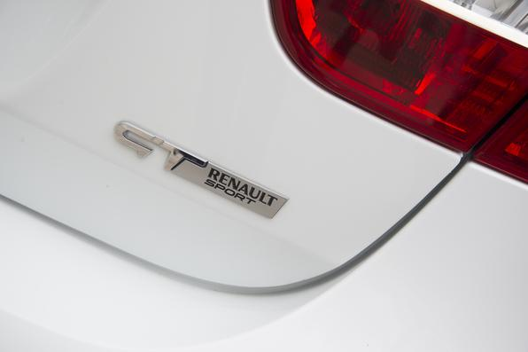 Renault Fluence GT x Citroën C4 Lounge THP