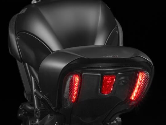 Ducati Diavel 1200 - 2015