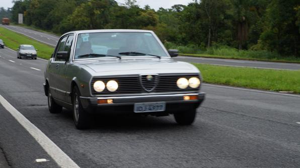 Viagem de 2300 km para homenagear o Alfa Romeo 2300