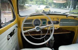 Volkswagen move up! encontra Fusca 1961