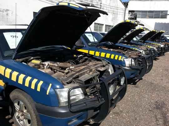 Leilão nesta sexta-feira vai vender quase 100 veículos da Polícia Rodoviária Federal (PRF) em Minas Gerais