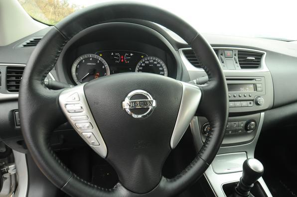 Nissan Sentra S 2.0