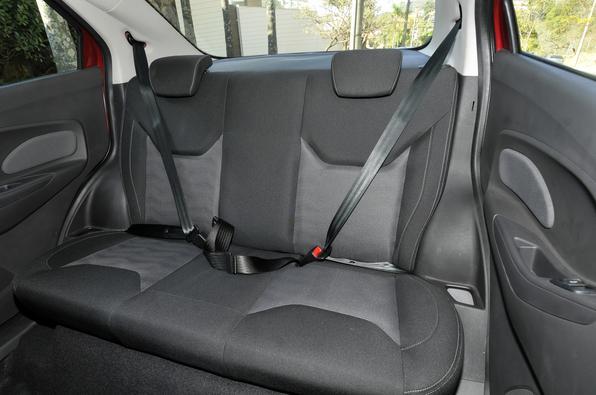 Ford Ka  sedã - Teste Vrum