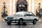 General Motors 90 anos no Brasil (Marca americana produziu 14,5 milh�es de ve�culos no pa�s com modelos que ficaram na lembran�a como Opala, Monza e Veraneio. Terceiro mais vendido em 2014, Onix marca nova fase da GM)