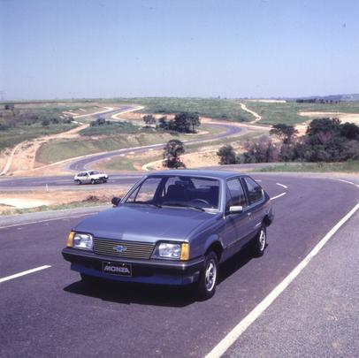 Chevrolet Monza 1983