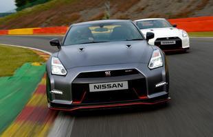 Nissan GT-R tem motor V6 3.8 biturbo com 552 cv. Modelo começa a ser vendido oficialmente no próximo ano