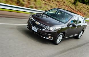 Sedã está com visual renovado para distanciar do irmão menor Prisma. Chevrolet Cobalt agora oferece o sistema de concierge OnStar