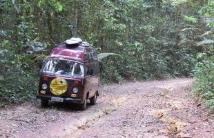 Em uma estrada de terra na Amazônia