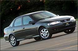Vectra 2.0 perdeu 44,75% do valor em dois anos de uso, ou seja, quase a metade do investimento - Chevrolet/Divulgação - 26/4/06