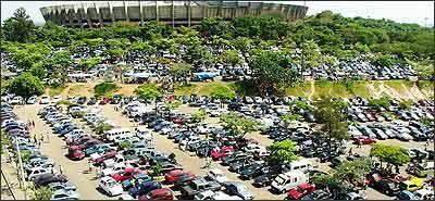 Ao comprar em feiras, normalmente realizadas nos finais de semana, deve-se tomar cuidado e só fechar o negócio na segunda-feira - Roberto Rocha/RR - 12/11/01