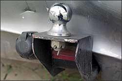 ERRADO - Pontas cortantes estão proibidas e luz de freio, se houver, terá que ser retirada até a regulamentação - Marcos Vieira - 16/12/04