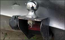 Lei permite dispositivo de iluminação, mas luz de freio não-regulamentada está proibida - Marlos Ney Vidal/EM - 16/12/04