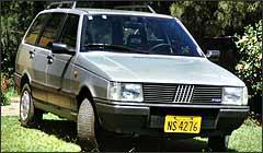 Elba de 1987 pode ser comprada por R$ 4,9 mil, mas, por ter 20 anos de uso, exige muita atenção - Fotos: Arquivo/EM