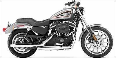 No modelo XL 883 Custom, roda dianteira tem aro de 21 polegadas - Fotos: Harley-Davidson/Divulgação