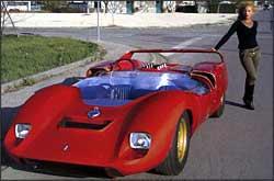 Parceria entre De Tomaso e Carrol Shelby resultou no P70, modelo com motor traseiro - Fotos: Deep Research Baku/Reproduções