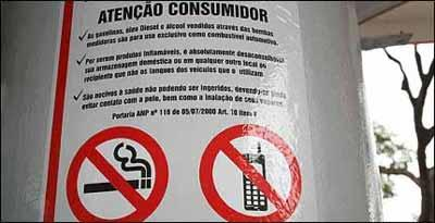 Aviso próximo à bomba reforça pedido de cuidados especiais para evitar acidente - Marlos Ney Vidal/D.A Press - 27/7/07