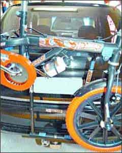 Para evitar multas, a bicicleta não pode encobrir a placa e lanternas traseiras - Beto Magalhaes/EM/D. A Press - 15/2/07