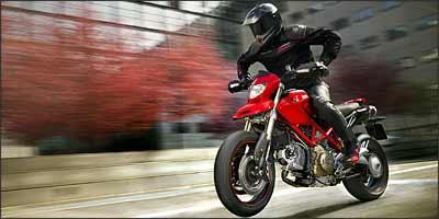 As rodas, da marca Marchesini, em liga superleve, são dois quilos mais leves - Fotos: Ducati/Divulgação