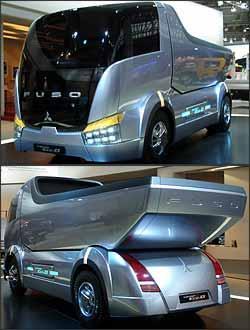 Um dos destaques da feira, o conceito Fuso Canter Eco-D reproduz caminhão leve basculante do futuro - Fotos: Paula Carolina/EM/D. A Press - 24/9/08
