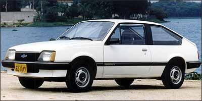 Primeiro Monza, o hatch, lançado em 1982 -