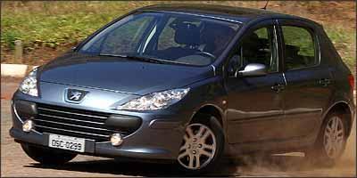 Peugeot 307 tem os principais equipamentos que garantem proteção aos ocupantes - Marlos Ney Vidal/EM/D. A Press - 17/5/06