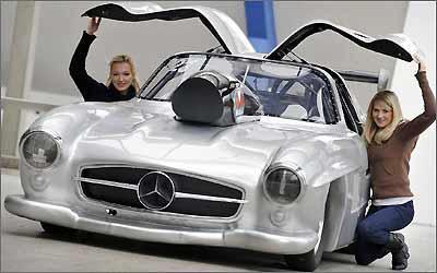 Um dragster de fibra: Mercedes 300 SL tem motor V8 6.9 de 1.065 cv -