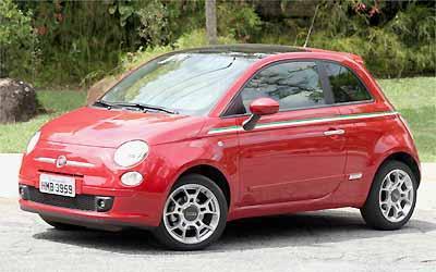 Para quem ainda não viu o simpático Fiat 500 pelas ruas da cidade, ele estará no estande da marca - Marlos Ney Vidal/EM/D.A Press - 16/10/09