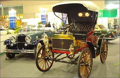Um muito bem conservado Schacht de 1902 é o carro mais antigo exibido na mostra - Fotos Julio Cabral/Portal Uai