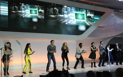 Artistas contratados pela Chevrolet deram um show a parte durante a apresentação dos modelos -