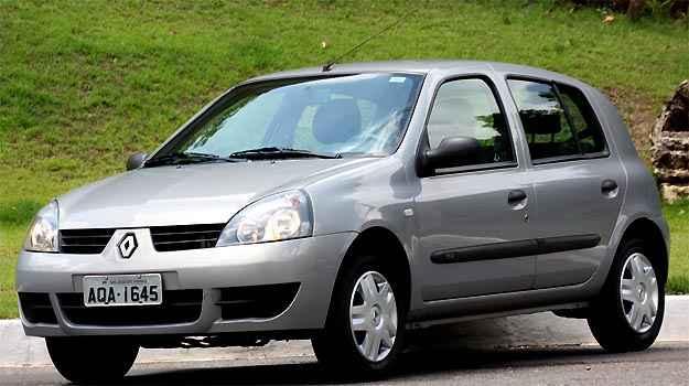 Renault Clio tinha airbag duplo de s�rie na �poca do lan�amento. Hoje, nem como opcional