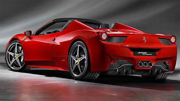 Puro sangue italiano é acelera de 0 a 100 km/h em apenas 3,4 s (Ferrari/Divulgação)