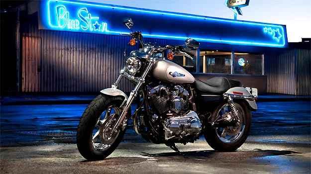 A Sportster Custom tem motor de 1.200cm³ - Fotos: Harley-Davidson/Divulgação