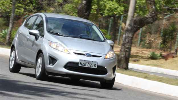 Pr�s e contras do New Fiesta hatch