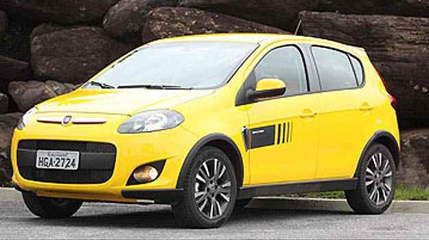 O mesmo fez a Fiat, a exemplo do Novo Palio Sporting: R$ 41.310 (Marlos Ney Vidal/EM/D.A PRESS)