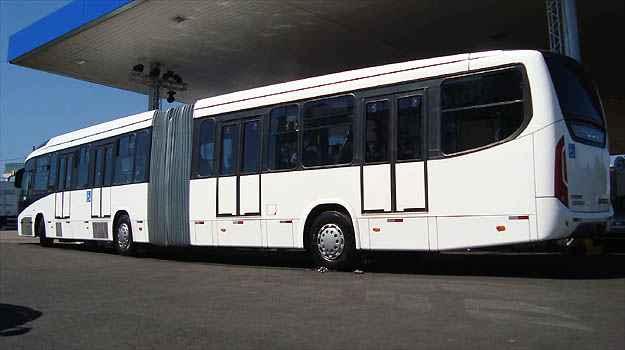 Veículo articulado pode transportar até 165 pessoas