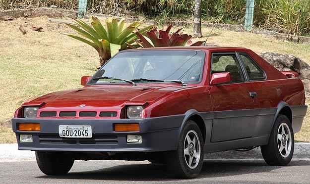 Com 4,54m de comprimento, 2,55m de medida entre-eixos, 1,69 de largura e 1,40m de altura, modelo fora de série de estilo oitentista tem linhas retas que remetem a esportivos como o Audi Quattro  - Marlos Ney Vidal/EM/D.A. Press
