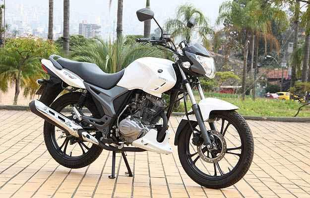 O motor tem um cilindro, refrigera��o a ar e fornece 12,1cv (Marlos Ney Vidal/EM)
