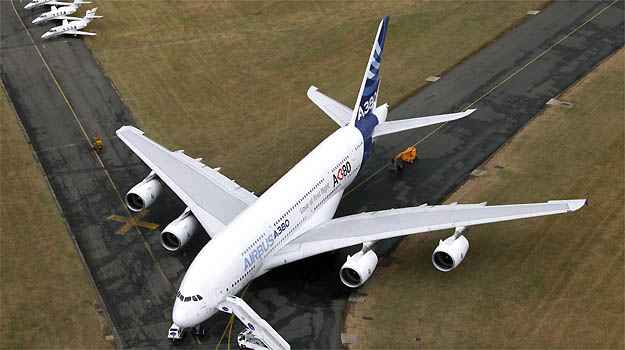 Airbus � dona do maior avi�o de passageiros do mundo, o A380 (AFP)