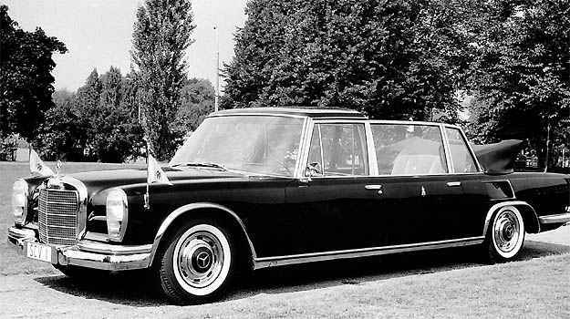 Mercedes-Benz 600 Pullman Landaulet foi usado por Joo XXIII (Mercedes-Benz/Divulgao)