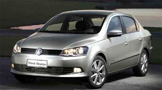 Quatro meses depois de lan�ar a linha 12/13 do Gol e do Voyage, a VW promoveu a reestiliza��o dos dois carros apresentando-os novamente como modelos 12/13, apesar das diferen�as expl�citas de estilo - Volkswagen/Divulga��o