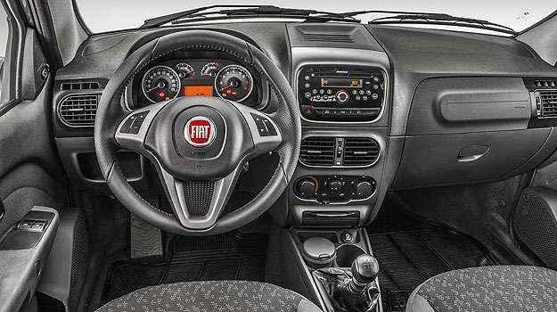 Novo volante nas vers�es Trekking e Adventure - Fiat/Divulga��o