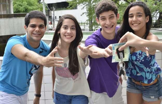 (Na ordem) Tarc�sio, Juliana, Jo�o e Ruth acreditam que habilita��o traz mais liberdade (Cristiane Silva/Esp.DP/D.A Press)