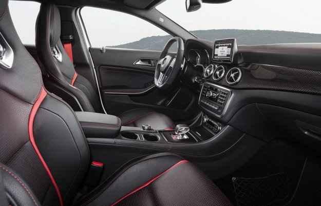 Esportivo acelera de 0 a 100 km/h em 4,8 segundos  - Mercedes-Benz/divulga��o