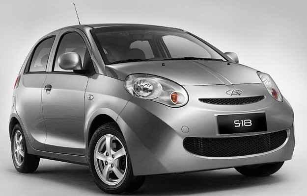 Compacto S-18 foi o primeiro carro flex chin�s a ser vendido no Brasil - Fotos: Chery/divulga��o