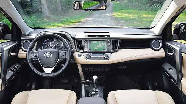 Nova central multim�dia com acesso � internet (Toyota/Divulga��o)